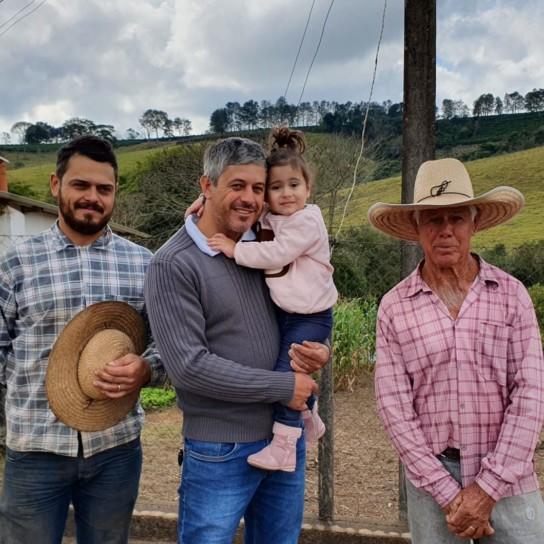 Brazil Corrego Grande Sergio dos Reis and family