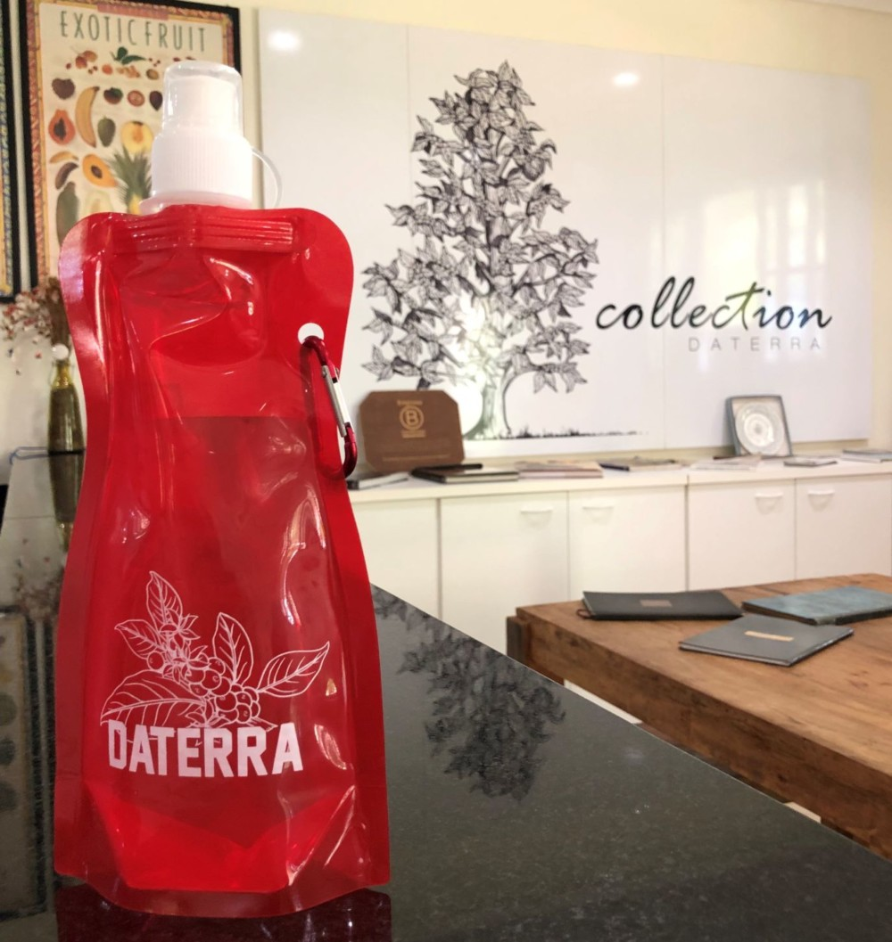 Daterra water pouch
